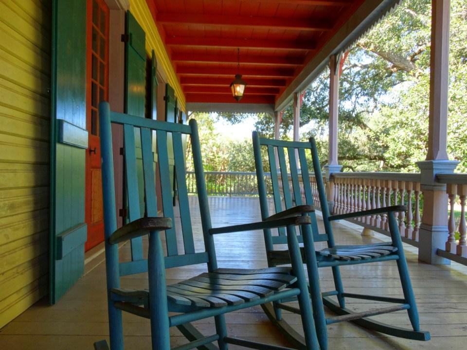 laura-plantation-front-porch