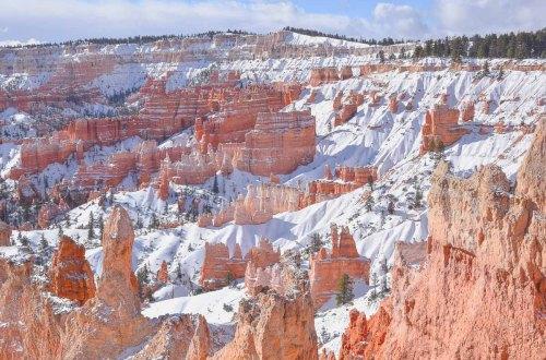 Bryce canyon im februar mit schnee