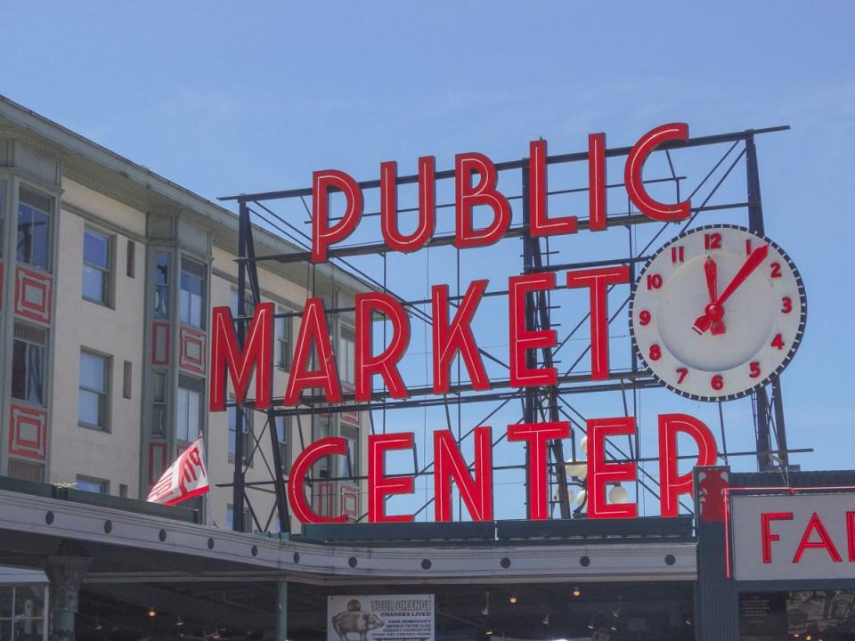 Schild mit Schriftzug Pike Place Market Seattle
