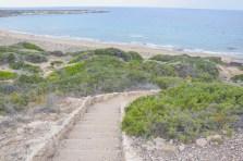 Treppenstufen zum Lara Beach auf der Akamas Halbinsel