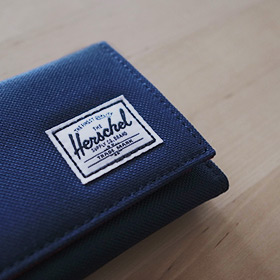 Herschel Supplyで『究極の旅行用財布探し』に終止符?
