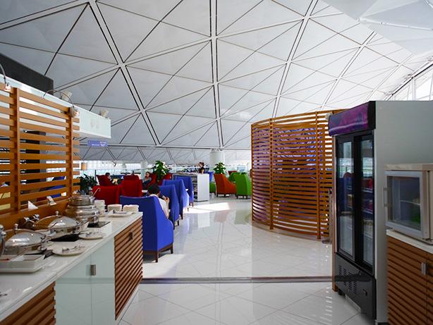 香港空港 タイ航空 ロイヤル オーキッド ラウンジを探索