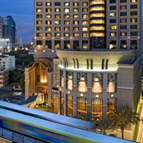 大都会 バンコクにある オアシス シェラトン グランデ スクンビット