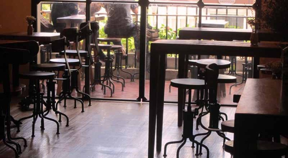 apartment cafe saigon