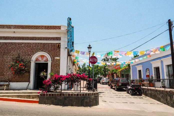 cabo-day-trip-todos-santos - Travels and Treats