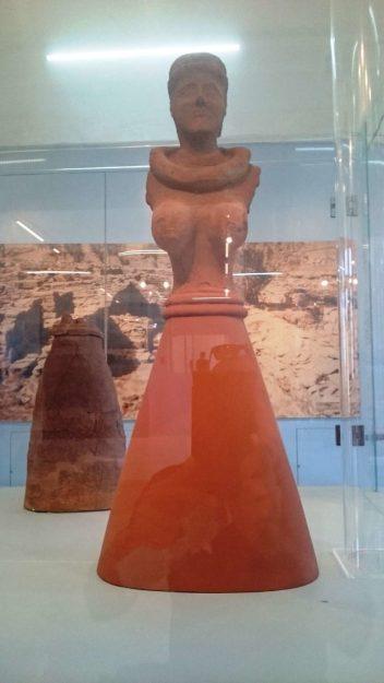 Αρχαιολογικό μουσείο Κέας (Κορες οικισμού Αγιας Ειρήνης) (1)