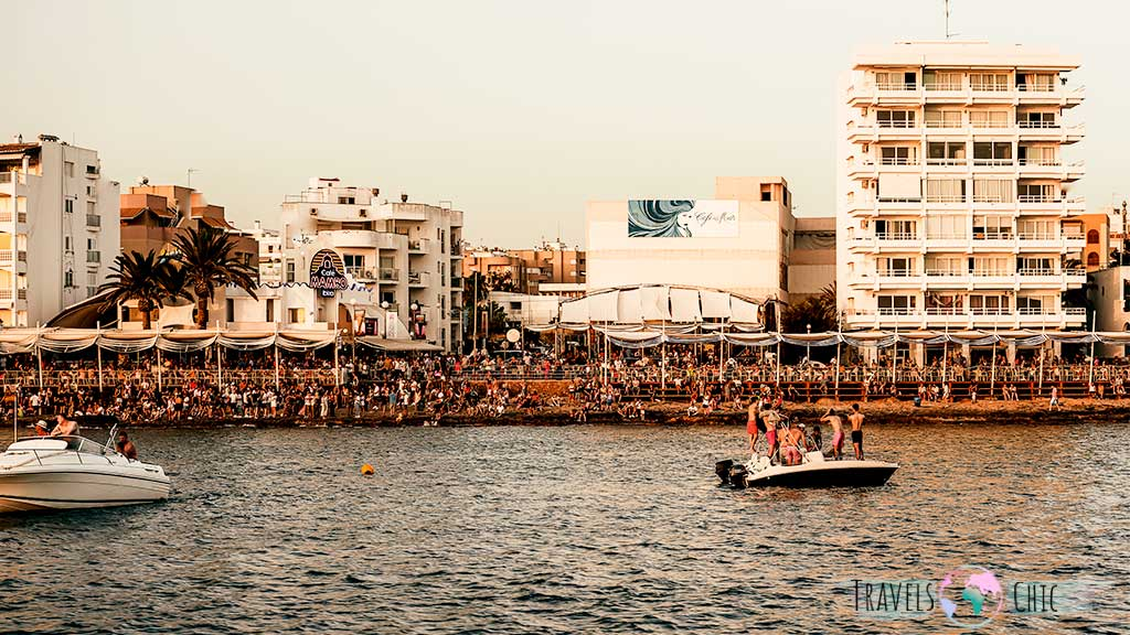 Puesta de sol en Cafe del Mar y Mambo Ibiza