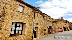 pueblo medieval ullastret girona