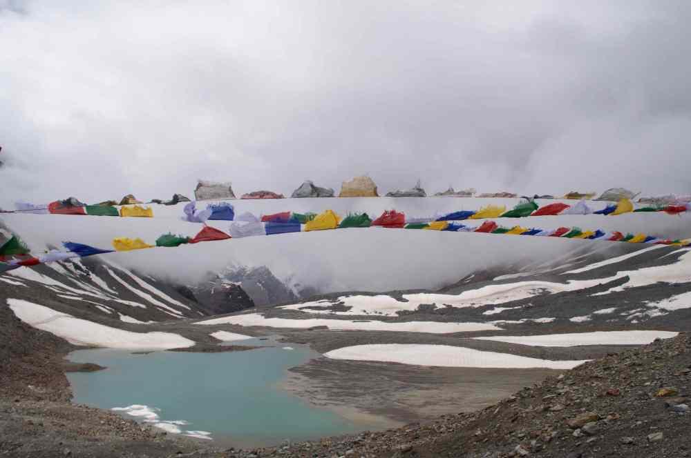 Freezing winds blow at the top of the pass, the Zankarpa cry 'Ki Ki So So Largyalo'