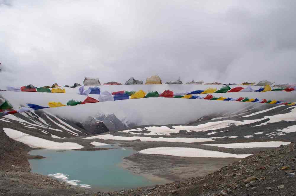 Freezing winds blow at the top of the pass, the Zankarpa cry 'Ki Ki So So Largyalo'