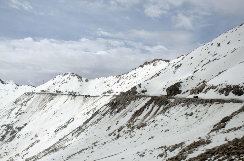 Khardung La Snow in J