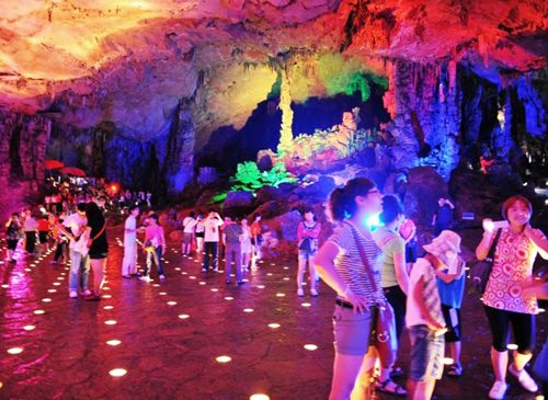 Reed-Flute-Cave-China-colourful