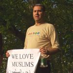 Street performers-London-Jewish man supports Muslims