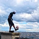 Street performers-Paris-Soccer Guy toes the ball