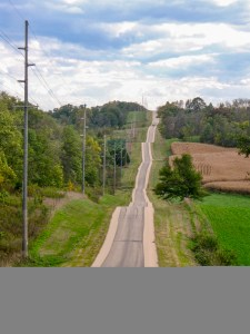 Look for dips, turns, and curves when you drive a Wisconsin Rustic Road! (Photo: Jane Carlson for WI DOT)