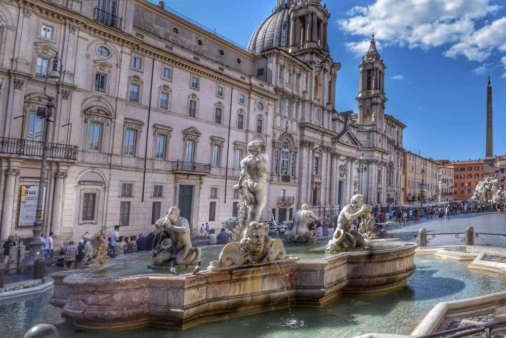 Fontana del Moro in Piazza Navona. Rome, Italy. ©Jenna Lee