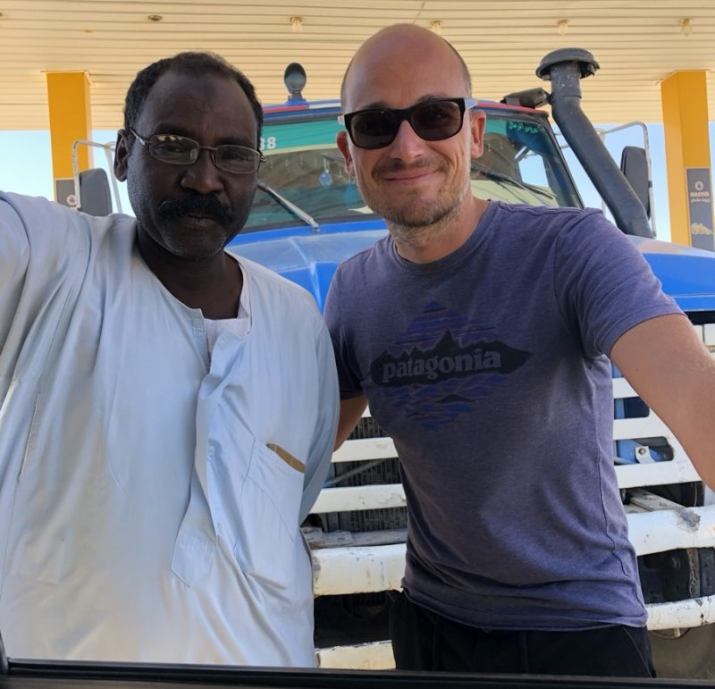 Sudan Tankstelle Begegnung