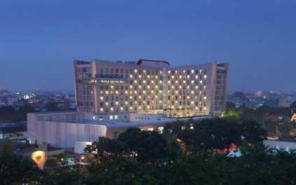 Hotel Santika Dyandra Medan - Gedung Outdoor