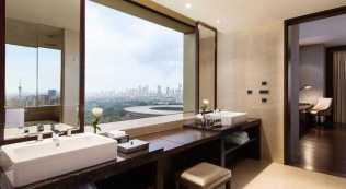 Fairmont Hotel Jakarta - Kamar mandi