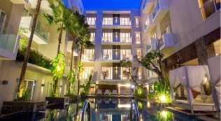 Grand Ixora Kuta Bali Kolam Renang