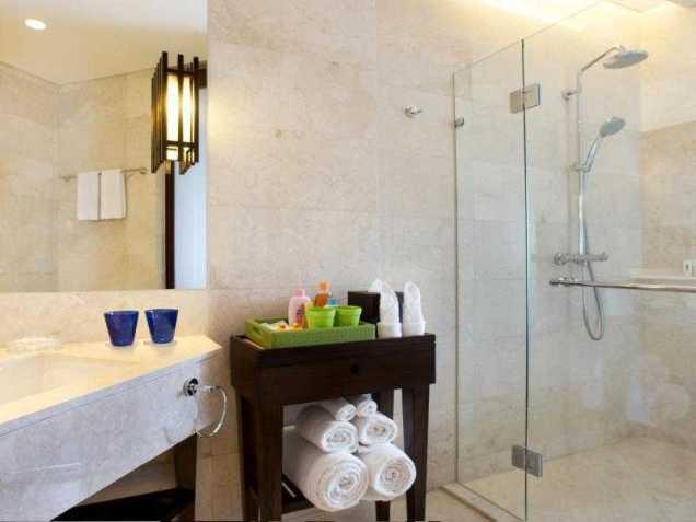 Holiday Inn Bali Bath Room