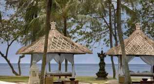 Westin Nusa Dua Bali Beach Lounge