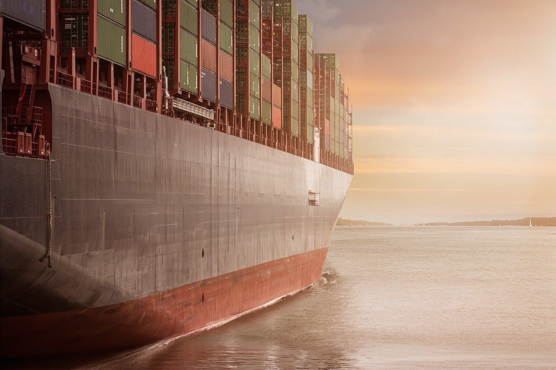 Viaggiare su navi cargo: pro e contro di un'esperienza di viaggio (e di vita) unica