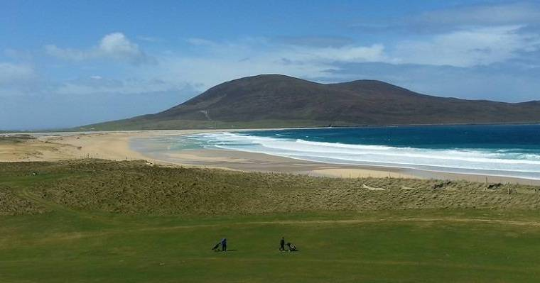 scarista visiting isle of harris beaches.
