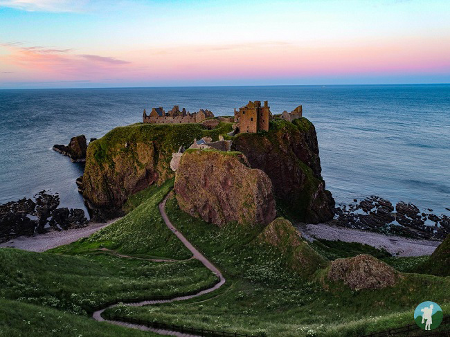 clifftop castles in scotland dunnottar