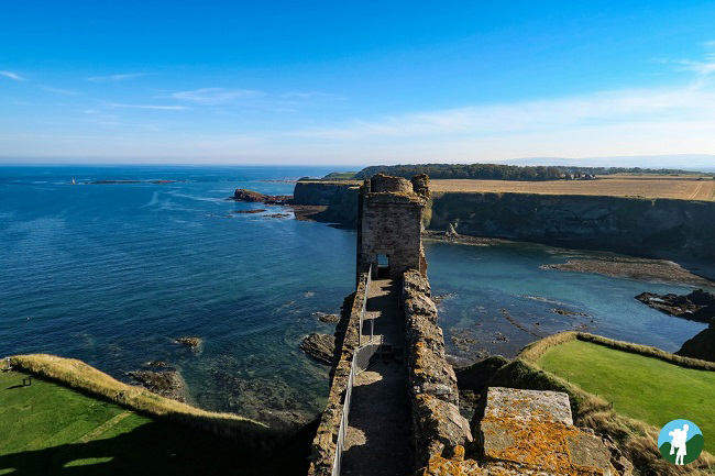 roof coast tantallon castle clifftop