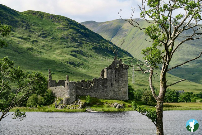 kilchurn castle view classic scotland in a day