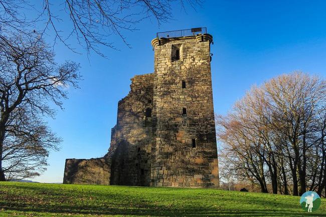 east face crookston castles near glasgow