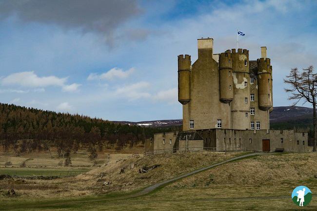 braemar castle cairngorms