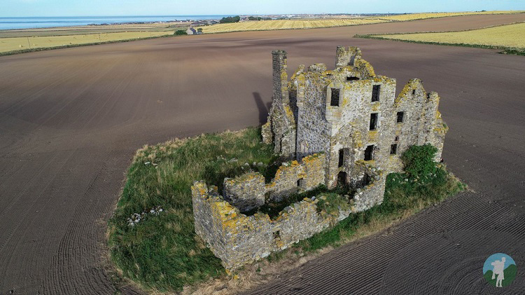 pitullie castle aberdeenshire