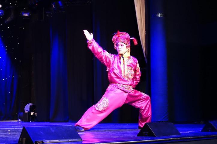 3.1458344457.peking-opera-acrobat