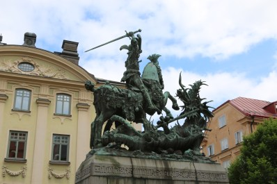 stockholm george and dragon outside