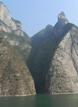 Yangtze River, Yangtze Cruise, Yangzi, Chang Jiang, Wu Gorge, Outcropping, Three Gorges
