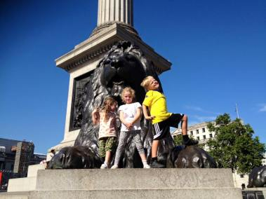 Lottie, Leon and Frida at Nelsons column 1 .jpg