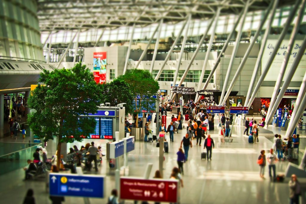Travel scams in Europe: Common in airports