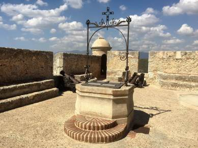 Well in Santiago fort