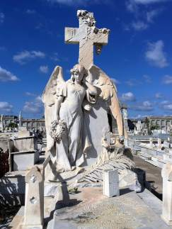 Naughty Angel in La Reina, historical cementery