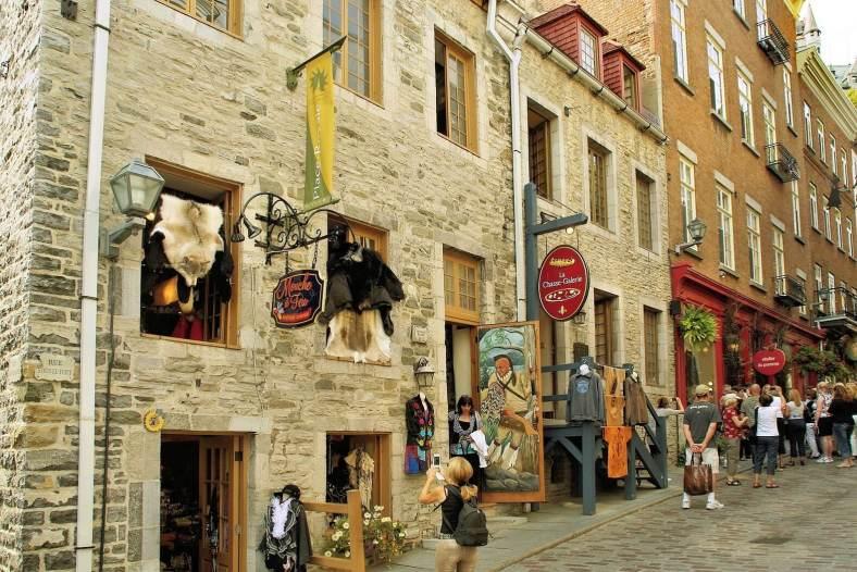 stroll in Old Quebec