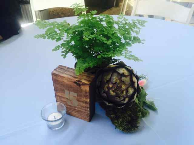 Table arrangements for the wedding