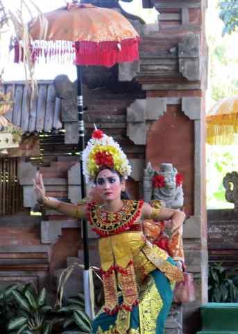bali culture, rangda, barong