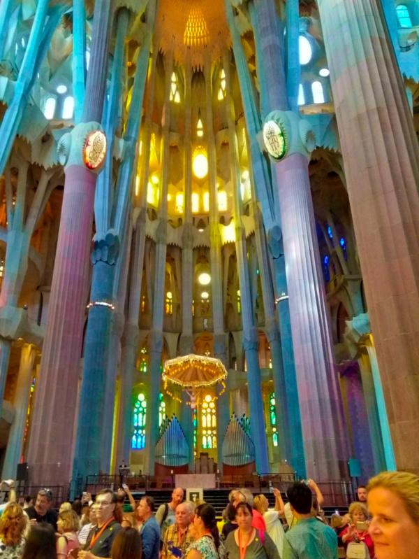 Sargrada Familia with kids