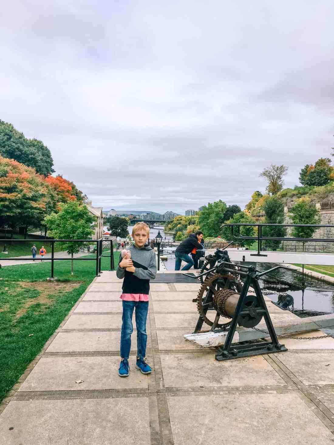 ottawa travel, Rideau canal locks are beautiful in any season. We enjoyed the fall colors.-1098