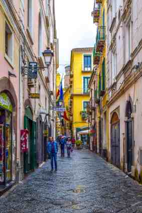 7 Best Souvenirs to buy in Italy