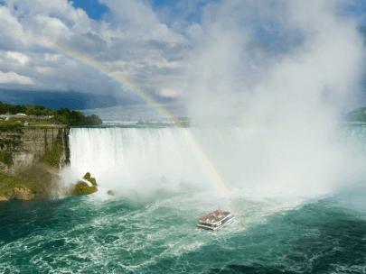 Maid of the Mist Niagara Cruise vs. Hornblower Cruise