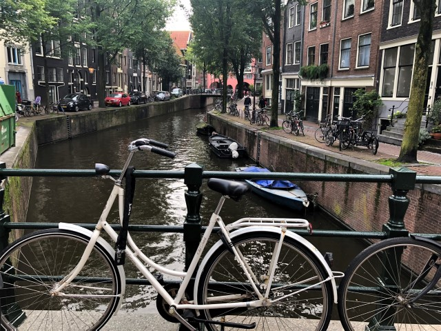 Amsterdam Cycling - Not Bike Friendly For Tourists • Travel Tales of Life