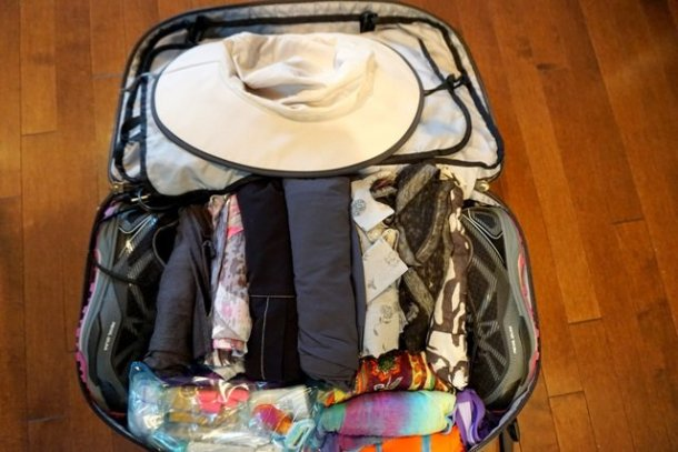travel guide packing